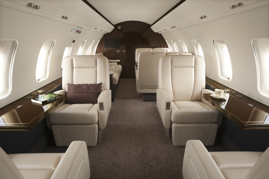 /media/stephanie-usp/aircraft-photos/cl605/interior_1.jpg