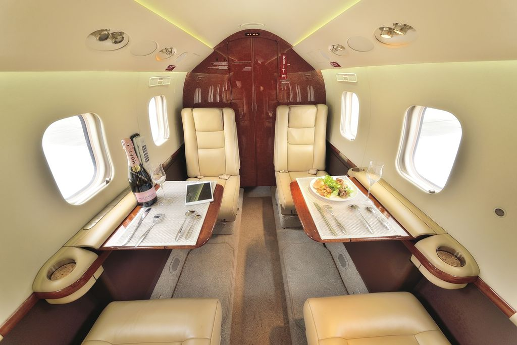 /media/stephanie-usp/aircraft-photos/g100/interior_1.jpg